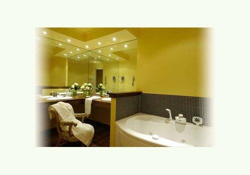 Bluedil immobiliare vendita di immobili di pregio for Piani artigiani con suite in suocera